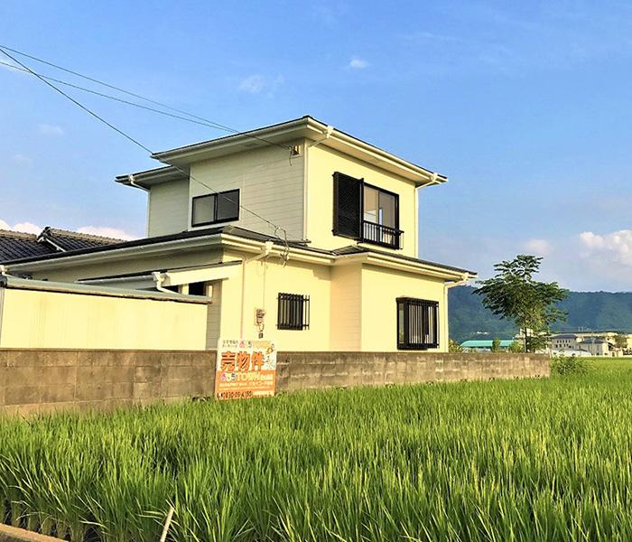 物件画像ギャラリー:田んぼの中にたたずむ家