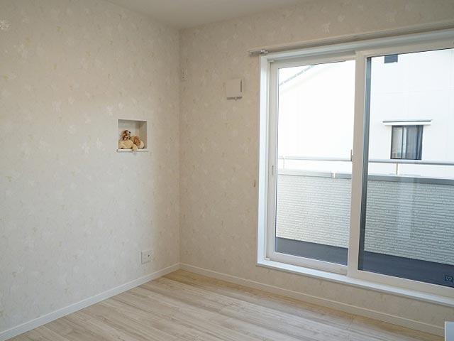 ギャラリー画像7:クロス選びが上手なカラーで楽しむお家