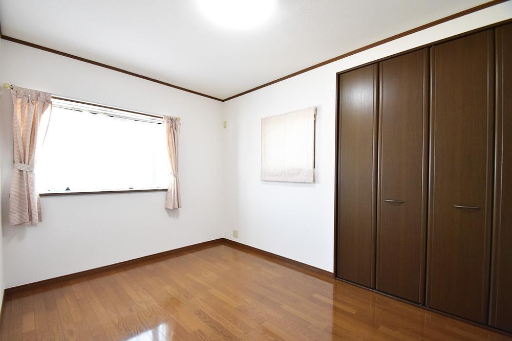 物件画像ギャラリー:すべての部屋に明るい光が差し込む家